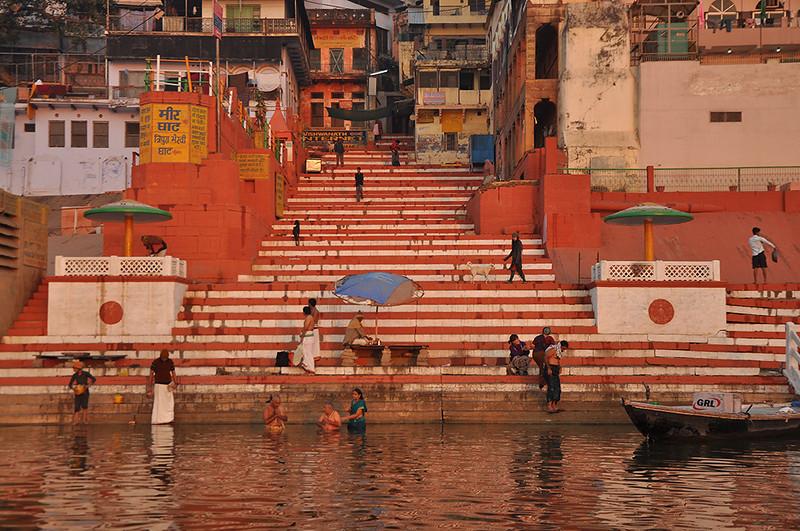Varanasi-GhatEarlyMorning.jpg