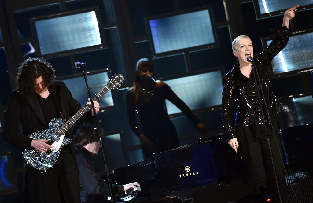 . Hozier, left, and Annie Lennox perform at the 57th annual Grammy Awards on Sunday, Feb. 8, 2015, in Los Angeles. (Photo by John Shearer/Invision/AP)
