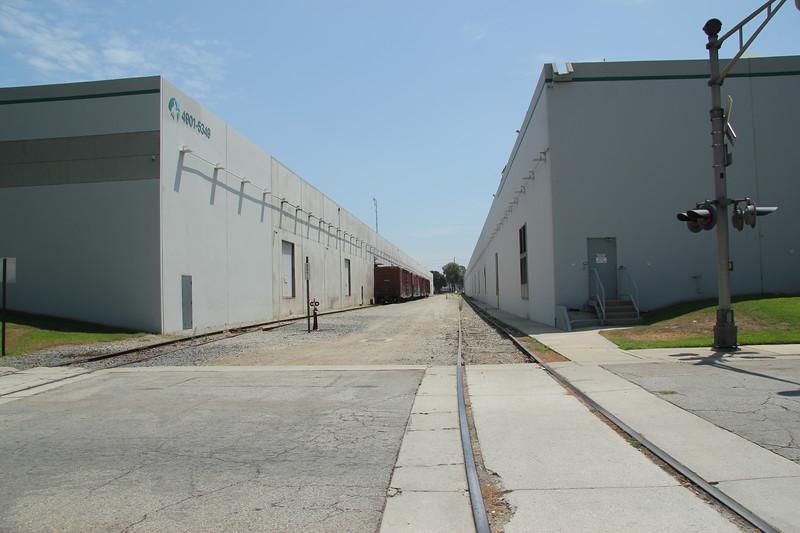 6031 Rickenbacker Rd, Commerce, CA 90040