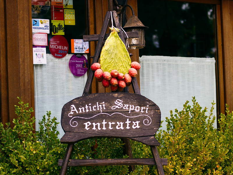We stopped into Pietro Zito's Antichi Sapori in Montegrosso make reservations for pranzo a domani....