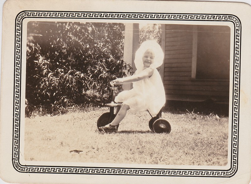 SCN_0204 OSWEGO KANSAS JOYCE MAE GRINSTEAD 1929.jpg