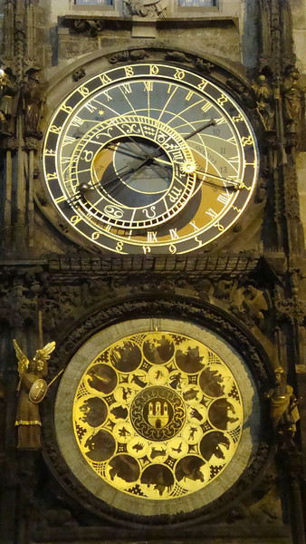 Astronomical clock close-up.JPG