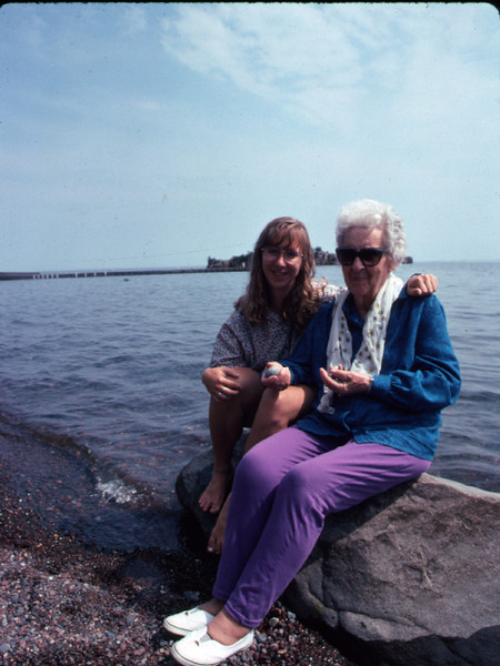 Mom_and_Shawn_on_L_Superior_198__or_so_640X480_Kod.jpg