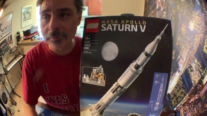 2019-06-05 LEGO Saturn V Build-01.MOV
