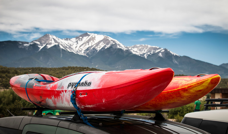 pyranha-kayaking-mountains-buena-vista-colorado-adventure.jpg