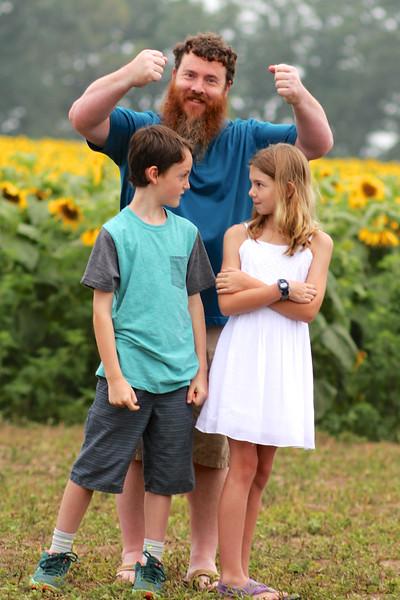 FamilySunflowers_ 154.jpg