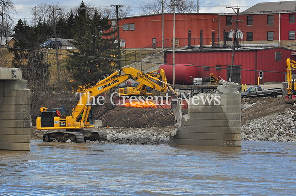 03-16-19 NEWS Work on the Defiance Bridge