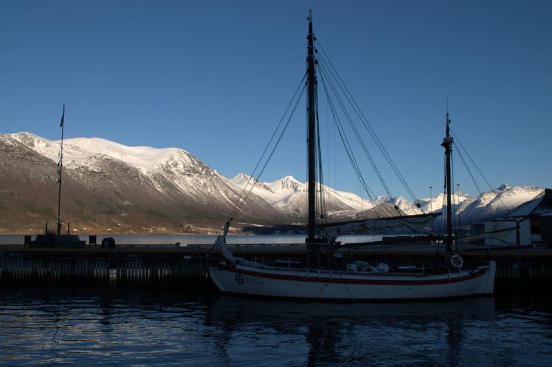 andalsnes boat.jpg