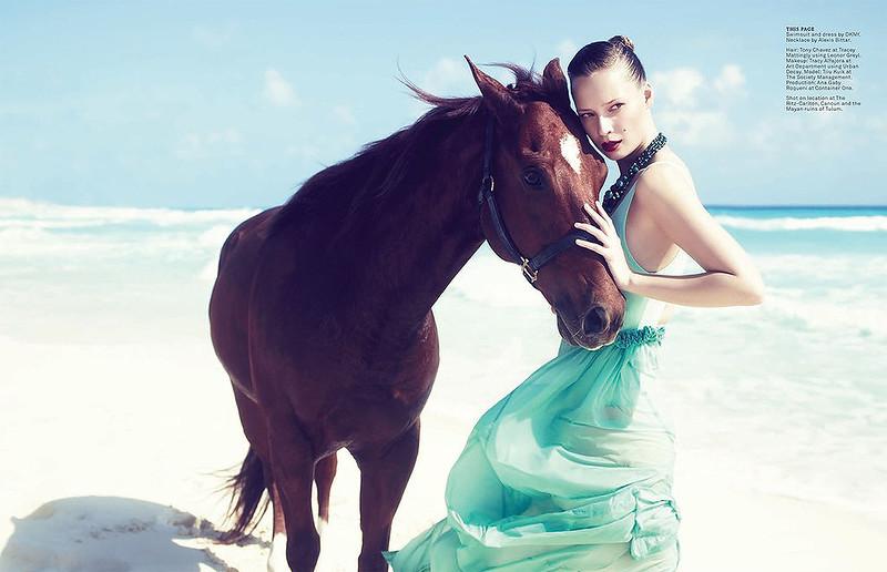 stylist-jennifer-hitzges-magazine-fashion-lifestyle-creative-space-artists-management-37.jpg