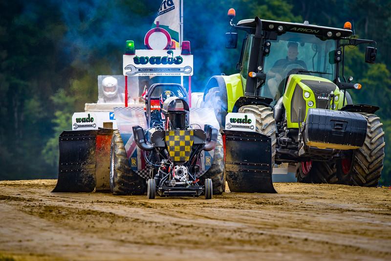Tractor Pulling 2015-02243.jpg