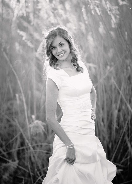 Amy Bridals 111bw.jpg