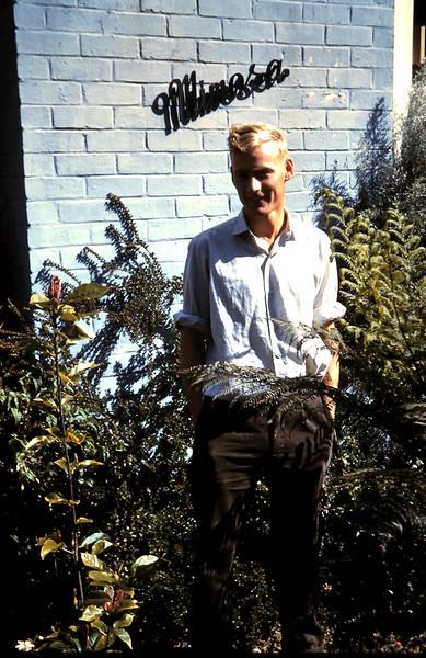 1960-11-10 (16) Graham @ Mimosa.JPG