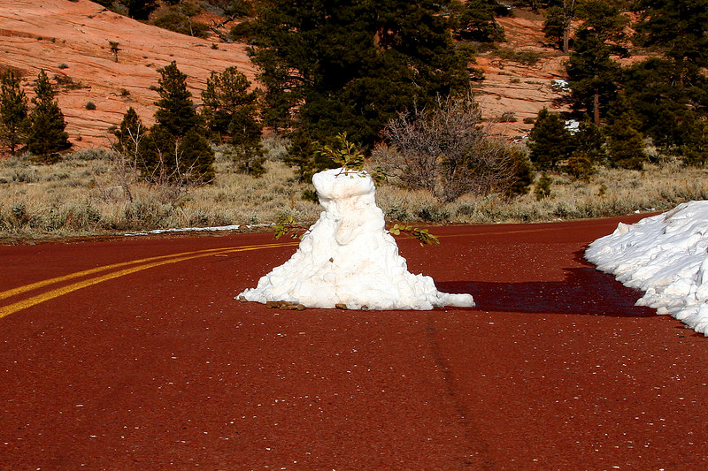 Someone built a funny snowman on  the road to Kolob reservoir.