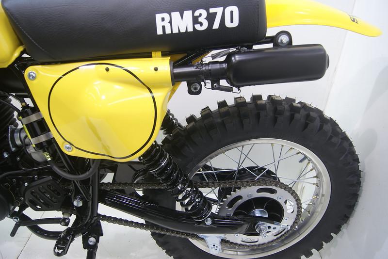 1977RM370 8-12 027.JPG