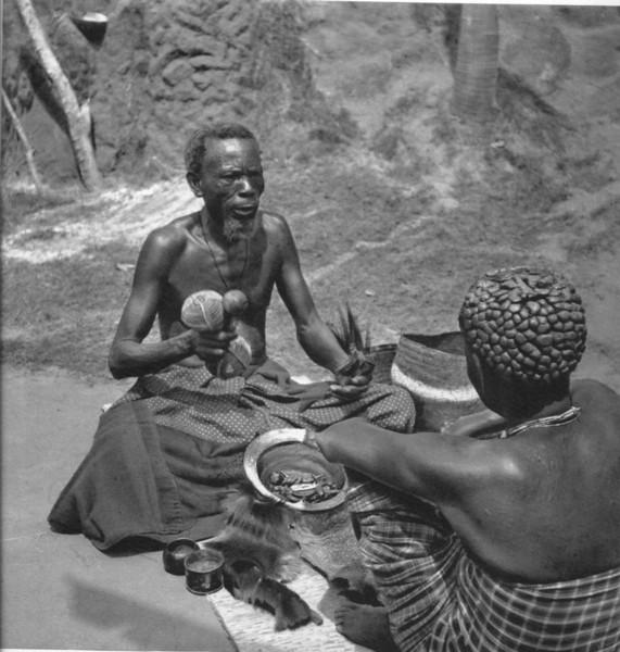 Chitato - um momento da cerimonia da adivinhacao entre os quiocos