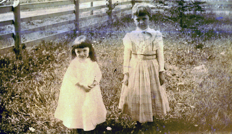 Stear children taken on a Burnet farm.