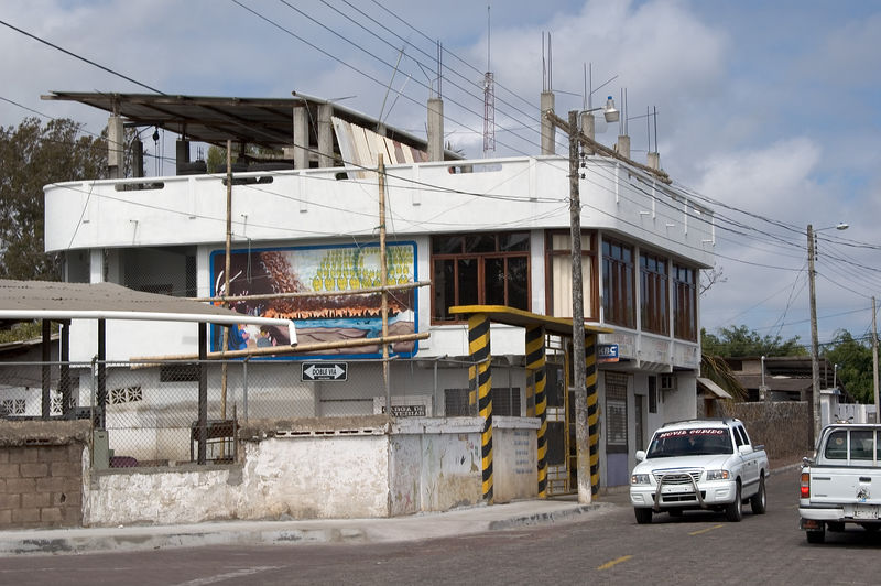 Another example of Puerto Ayora architecture