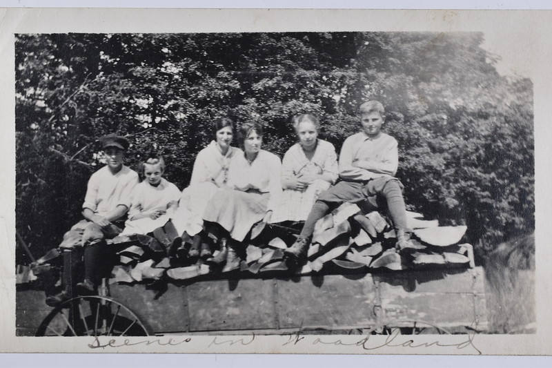 1917_F1-09-B.jpg