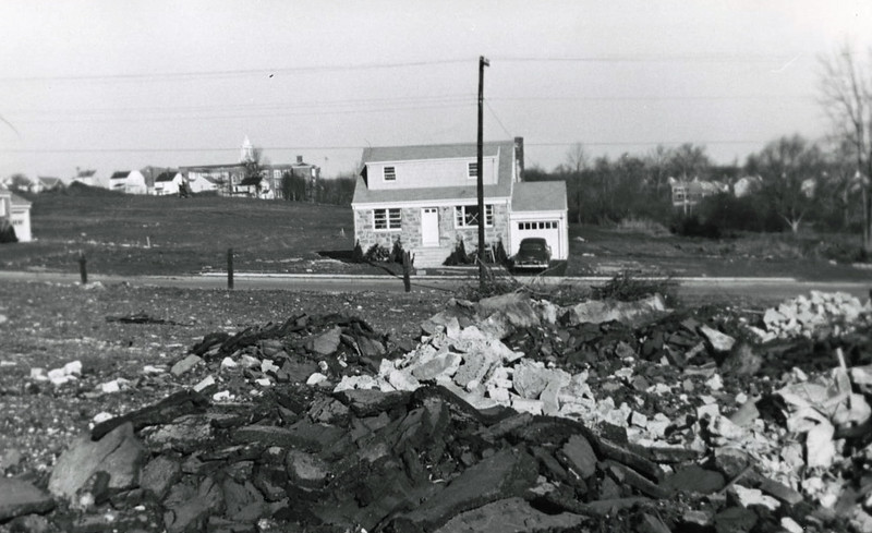 1697 UNION ave house front franklin school 1952 024 crop.jpg