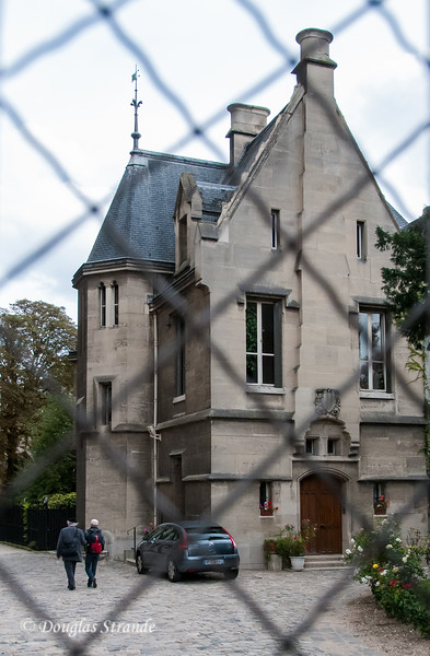 A rectory adjacent to Notre Dame
