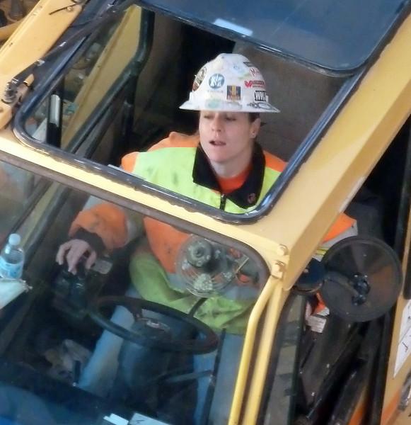 constructiongirl.jpg