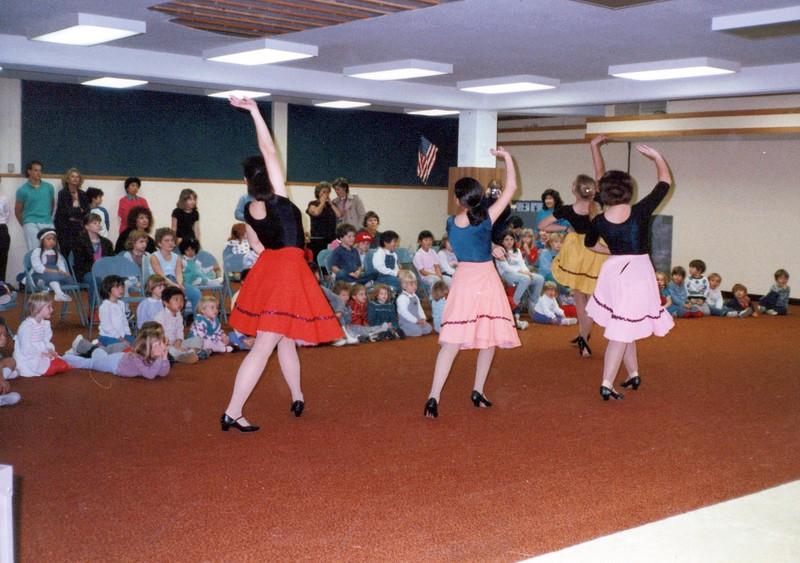 Dance_0672_a.jpg
