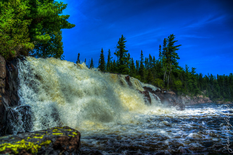 Lady Evelyn River's Centre Falls