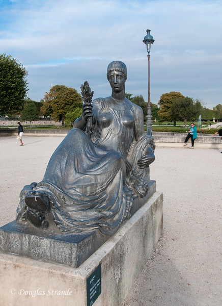Statue near Musee d'Orsay