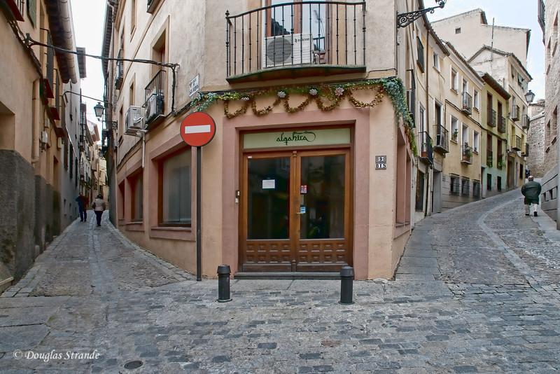 Wed 3/09 in Toledo: Narrow, clean streets