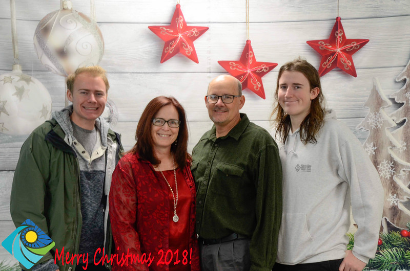Christmas Photobooth 2018-014_01.jpg