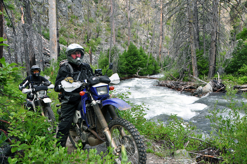 Sunday morning, Rob, Chuck, Dan and I decided to ride Mad river again, this time doing an up and back from camp (we rode just short of the switchbacks and turned around).