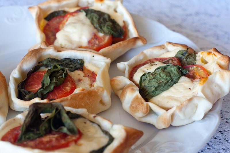 cooking-empanadas-caprese_5748637657_o.jpg