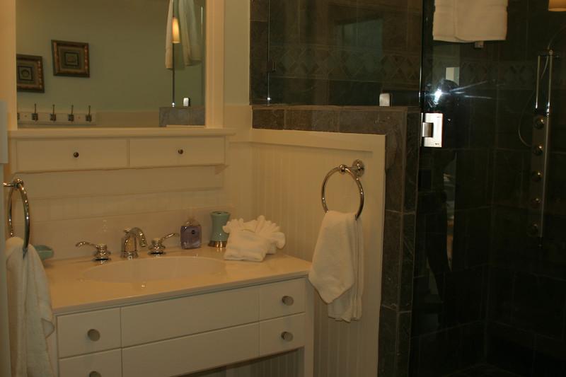 third floor- master bath 1 of 2 vanities