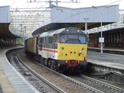 Network Rail Class 31106 & 31454 on working 1Q18 at Paisley Gilmour Street, 22nd October 2008