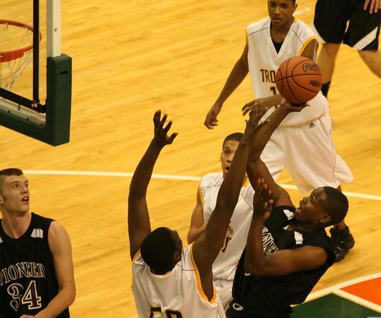 2007 MHSAA Basketball Semifinals: Pioneer vs Saginaw