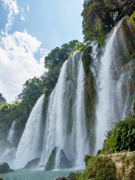 Vietnam Ban Gioc Falls_P1120783.jpg