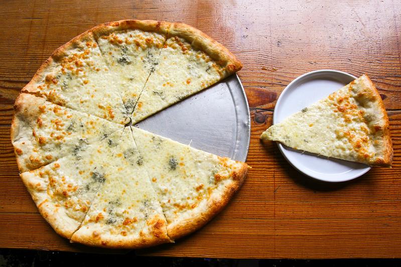 SuziPratt_Ballard Pizza Co_Bianco_004.jpg