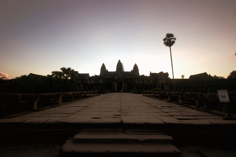 angkor-wat-at-dawn_2989394349_o.jpg