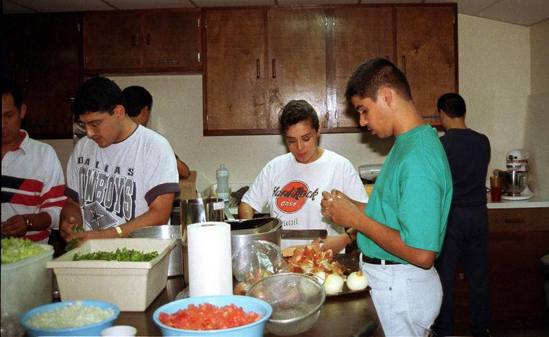 1992 09 20 - Supper at the Sunlight Inn 13.jpg