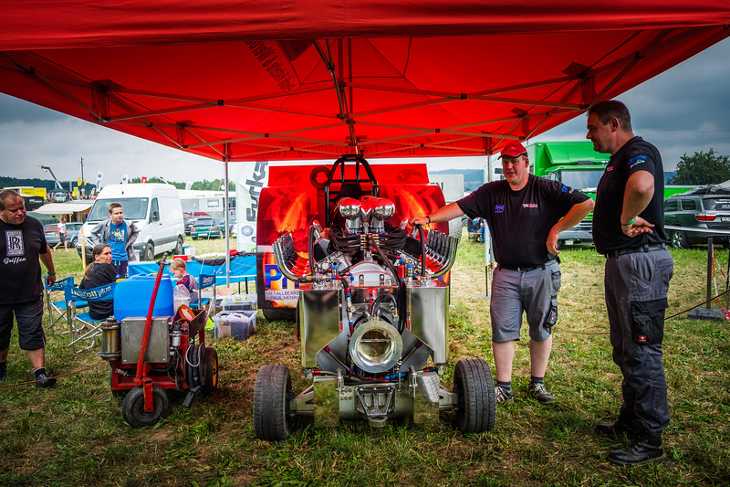 Tractor Pulling 2015 XE2-2457.jpg