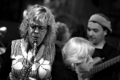 Miriam Kaul feat. Tony Hurdle