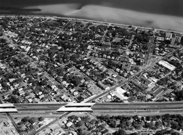 Crosstown Expressway - 1976.jpg