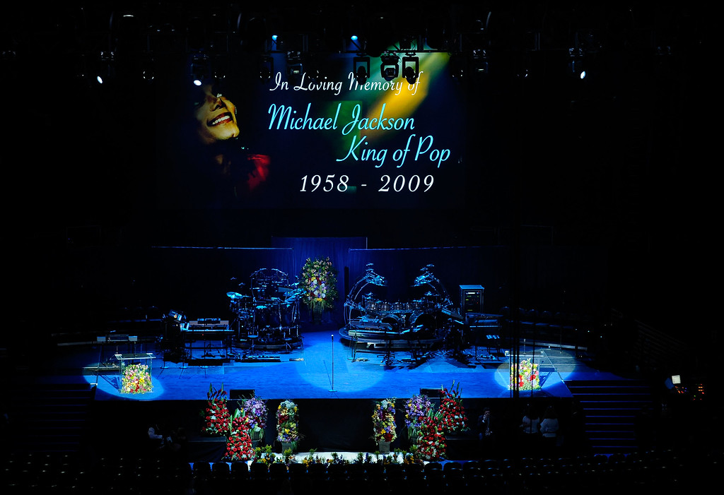 . LOS ANGELES, CA - JULY 07:  The stage is set with an empty space for the casket at the Michael Jackson public memorial service at Staples Center on July 7, 2009 in Los Angeles, California. Jackson, 50, the iconic pop star, died at UCLA Medical Center after going into cardiac arrest at his rented home on June 25 in Los Angeles, California.  (Photo by Kevork Djansezian/Getty Images)