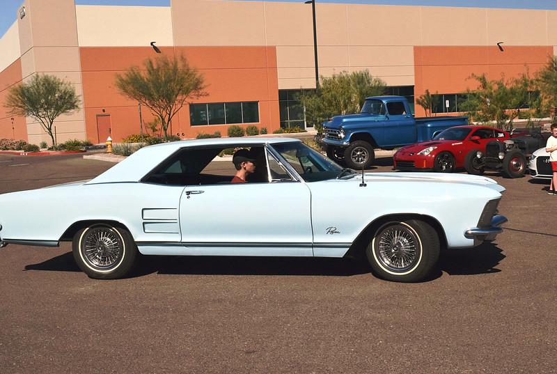 Buick 1963 Rivera side rt.JPG