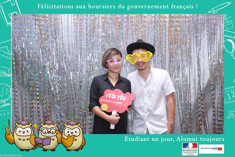 France-Alumni-Vietnam-photobooth-at-Franch-Embassy-Vietnam-photobooth-hanoi-in-hinh-lay-ngay-Su-kien-Lanh-su-quan-Phap-WefieBox-photobooth-vietnam-020.jpg