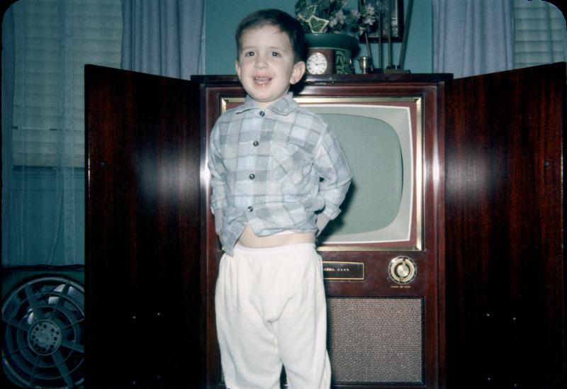 richard in front of tv december 1958.jpg