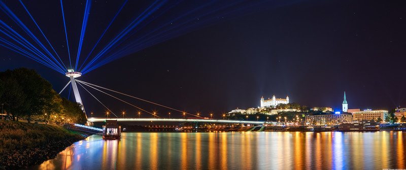 Light-beams-over-Bratislava-3440x1440.jpg