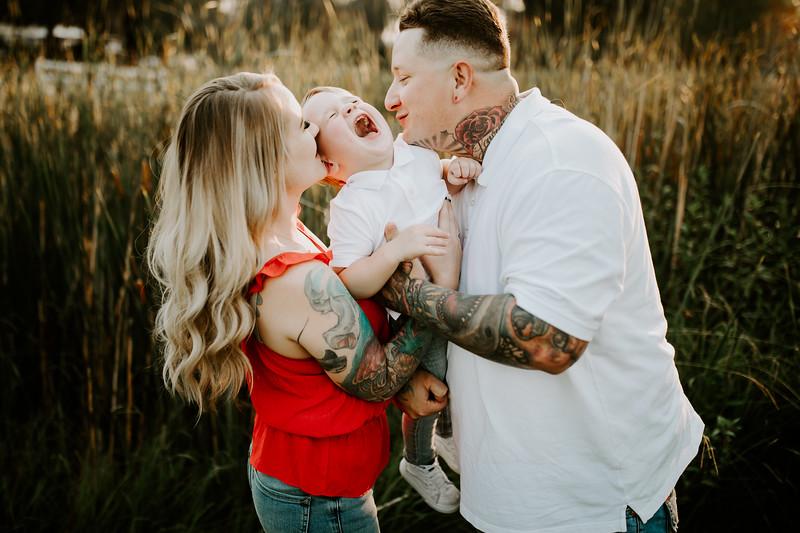 Lauren Family 02-21.jpg