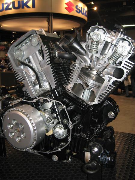 Suzuki engine cutaway
