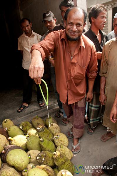 Sticky Jackfruit Juice - Srimongal Market, Bangladesh